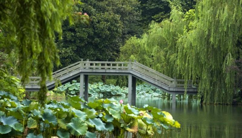 Hangzhou: The Heavenly City