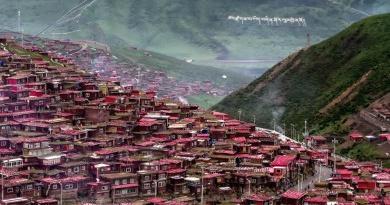 Larung Gar Sichuan